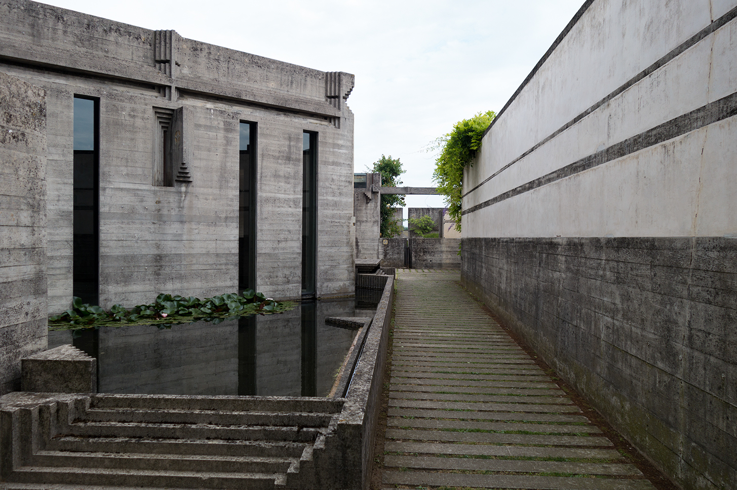 Tomba brion vega san vito d altivole postwar concrete for Carlo scarpa tomba
